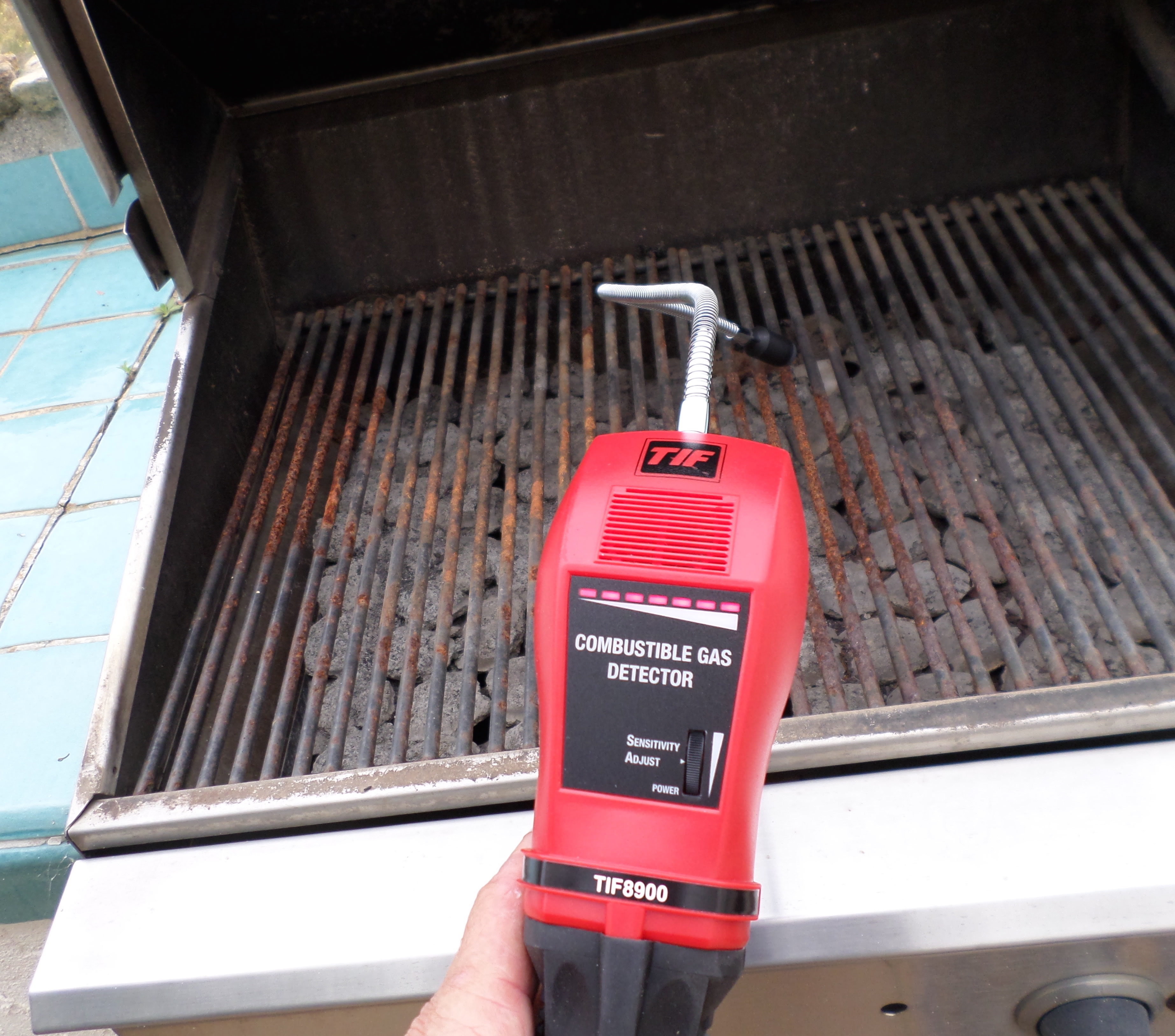 Combustible gas detector.