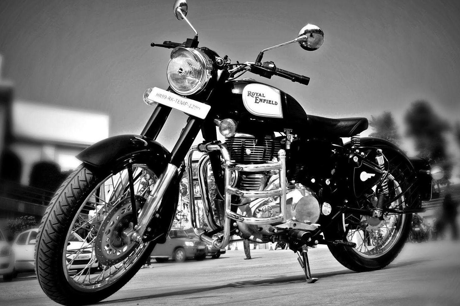 Classic 350 on Rent near Railway Station Dehradun. Inwtiff. Bike on Rent