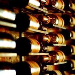 La Historia de la Botella de Vino