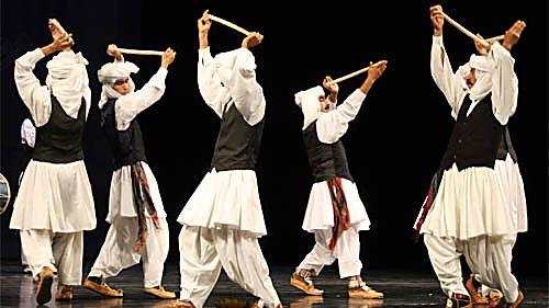 Musique religieuse islamique Des angles suivants la musique Islamique est importante