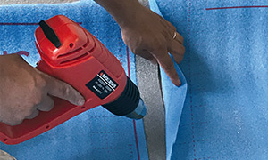 RECOMENDACIONES: Se sugiere unir por termosoldado los solapes de los rollos para asegurar una continuidad eficiente en la aislación.
