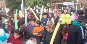 La Sociedad de Fomento Barrio Lima organizó un evento a beneficio de los niños del barrio en donde distribuyeron juguetes y realizaron actividades junto a la comunidad, Isolant colaboró con la donación de los tradicionales Flota Flota.