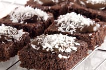 Kokosové řezy s čokoládovou polevou