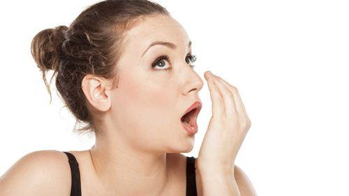 Cara Menghilangkan Bau Mulut dengan 10 Tips Rumahan