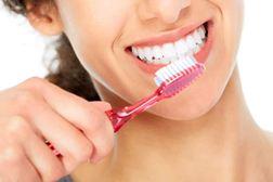 Cara Menghilangkan Bau Mulut dengan Menjaga Kebersihan Gigi