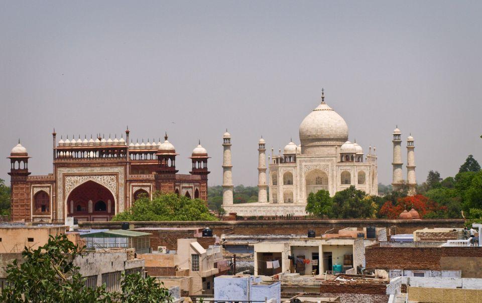 Vista del Taj Mahal desde la terracita del hostal Shanti Lodge