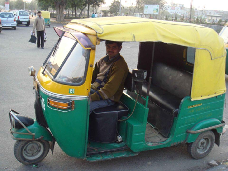 Rickshaw, para que os hagáis una idea de lo agustito que ibamos los 4 ahí detrás :P