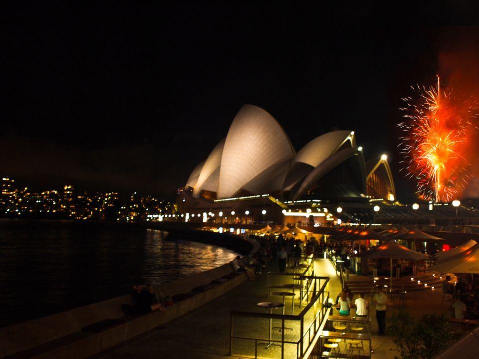 Fuegos artificiales! Sydney nos da la bienvenida ;)