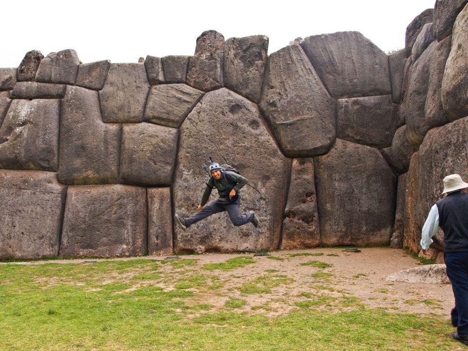 Pequeñas piedritas del Sacsayhuaman
