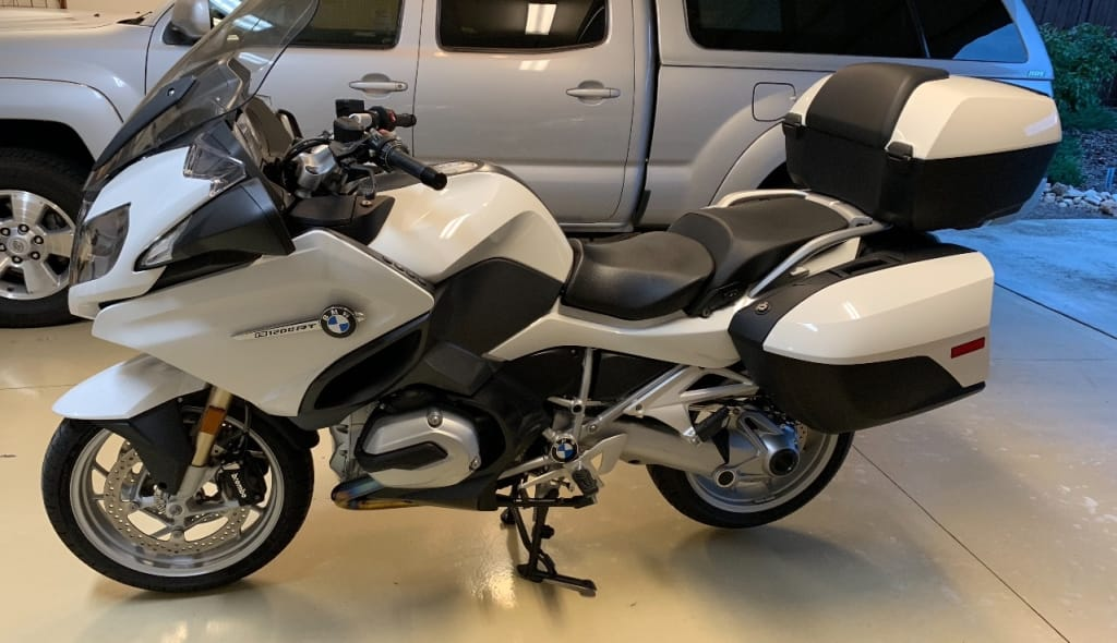 rent bmw r1200rt lc in italy motorcycle rental in italy rent bmw honda yamaha moto guzzi. Black Bedroom Furniture Sets. Home Design Ideas