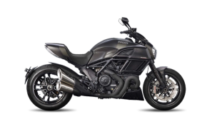 Rent Ducati Diavel in Italy