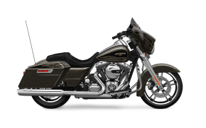 Rent Harley Davidson Street Glide in Italy