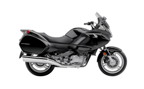 Rent Honda Deauville NT 700 in Italy