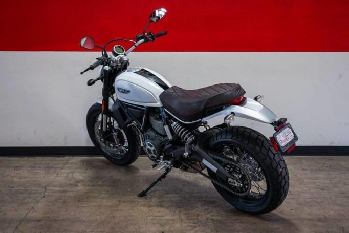 Noleggiare Ducati Scrambler A Roma Noleggio Moto A Roma