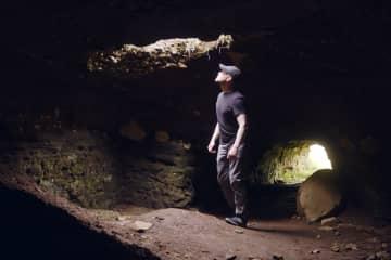 Efra-Hvolshellar caves