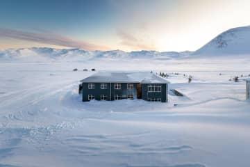 Sóti Lodge / Summit Heliskiing