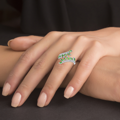 Sterling Silver Emerald Endless Leaves Ring