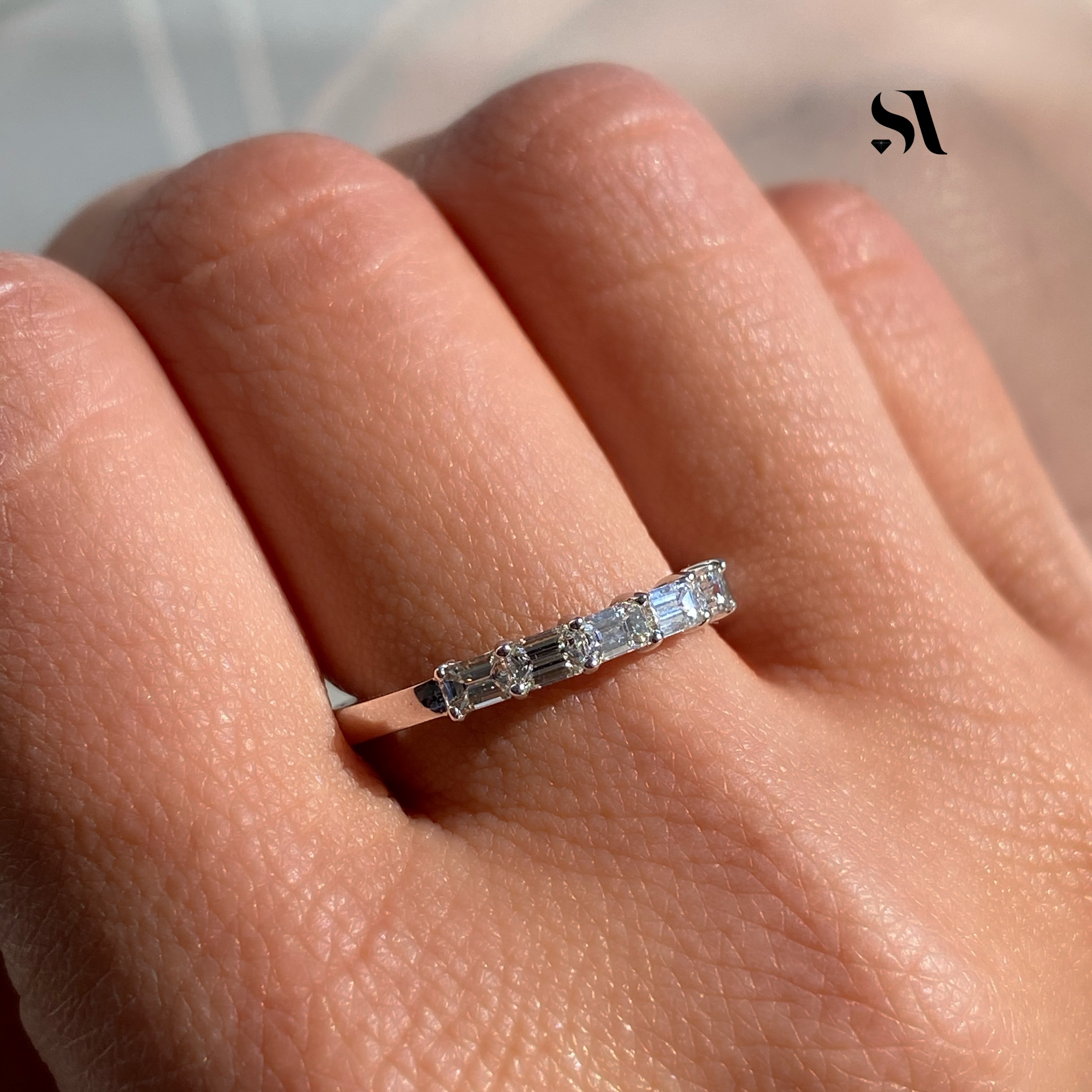 Dainty East West Emerald Diamond Ring - Image