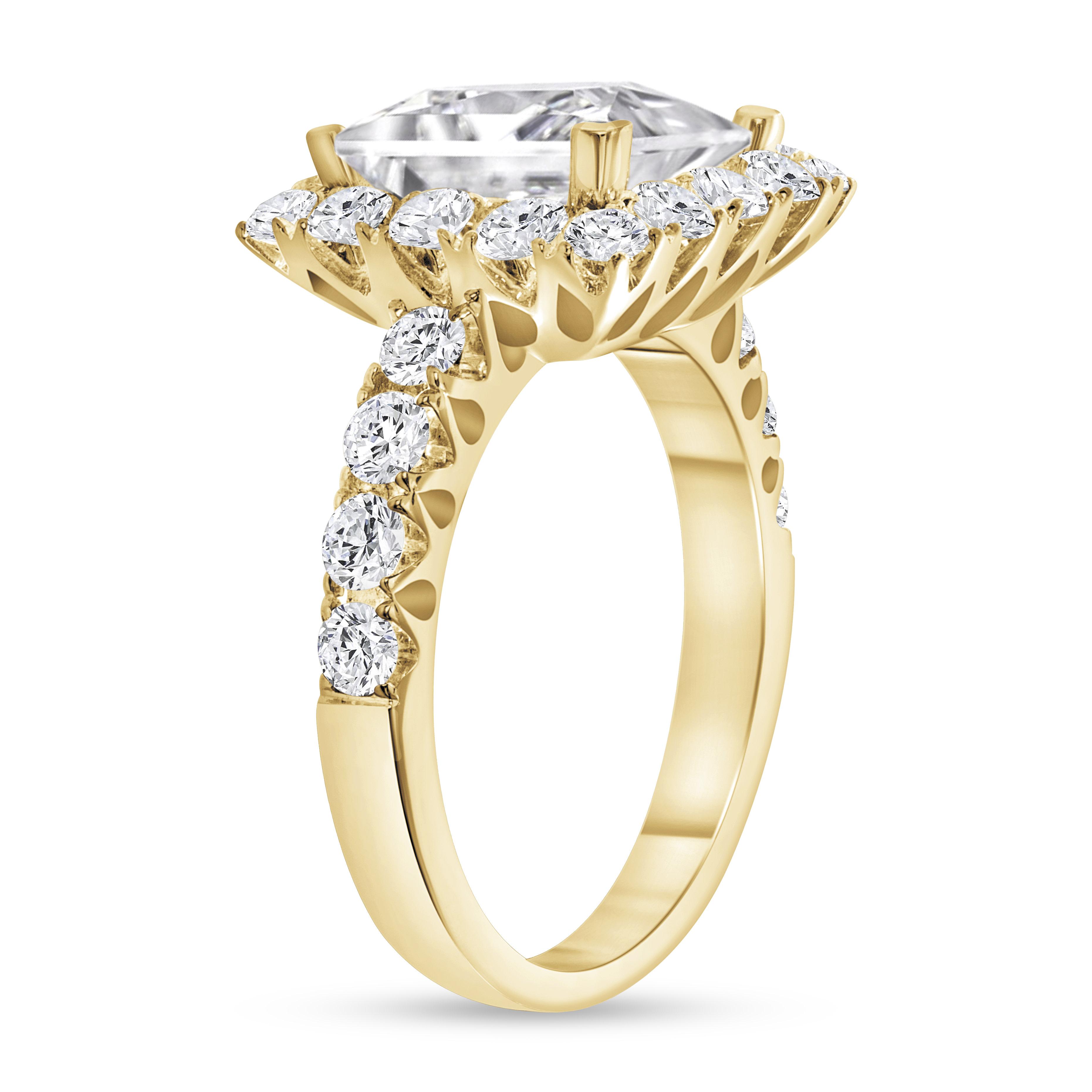 princess & round diamond engagement ring yellow gold