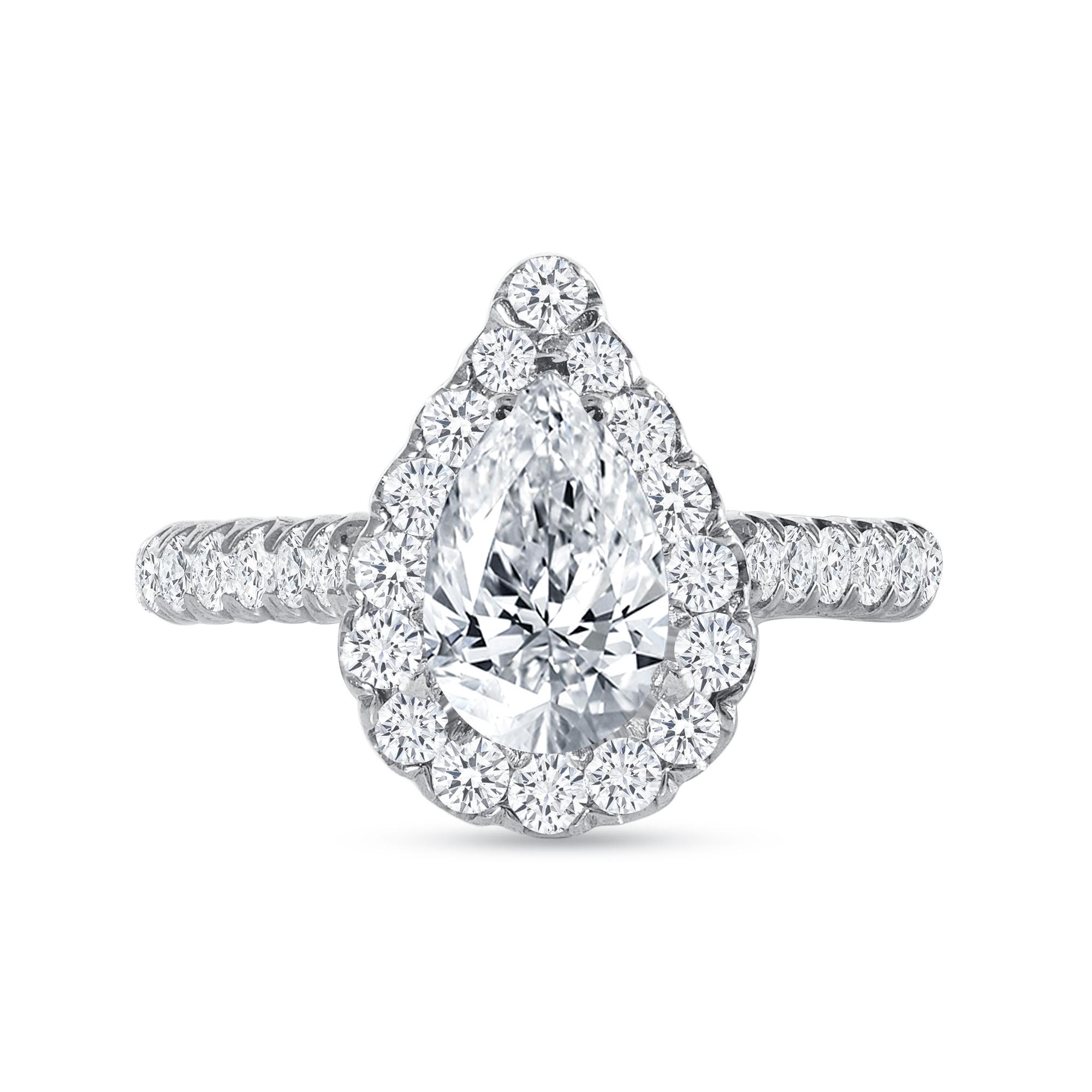 round diamond engagement ring white gold