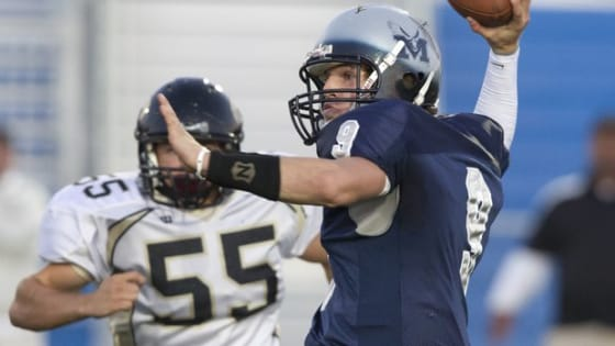 Quarterback Chase Knox