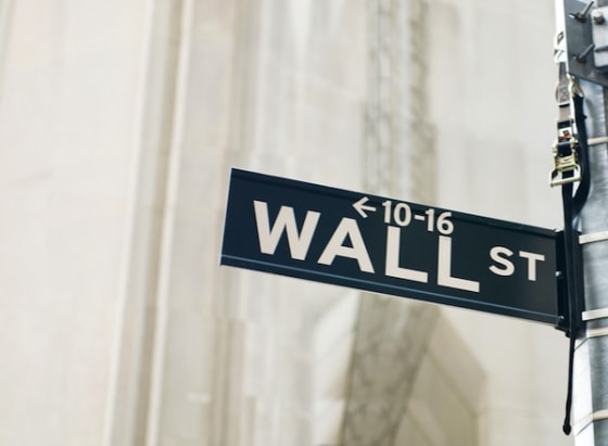 lawmakers seek to bring back glass-steagall act