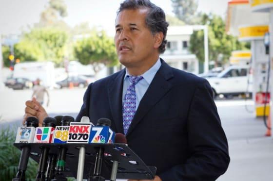 Senator Vargas wants lower gas prices in San Diego