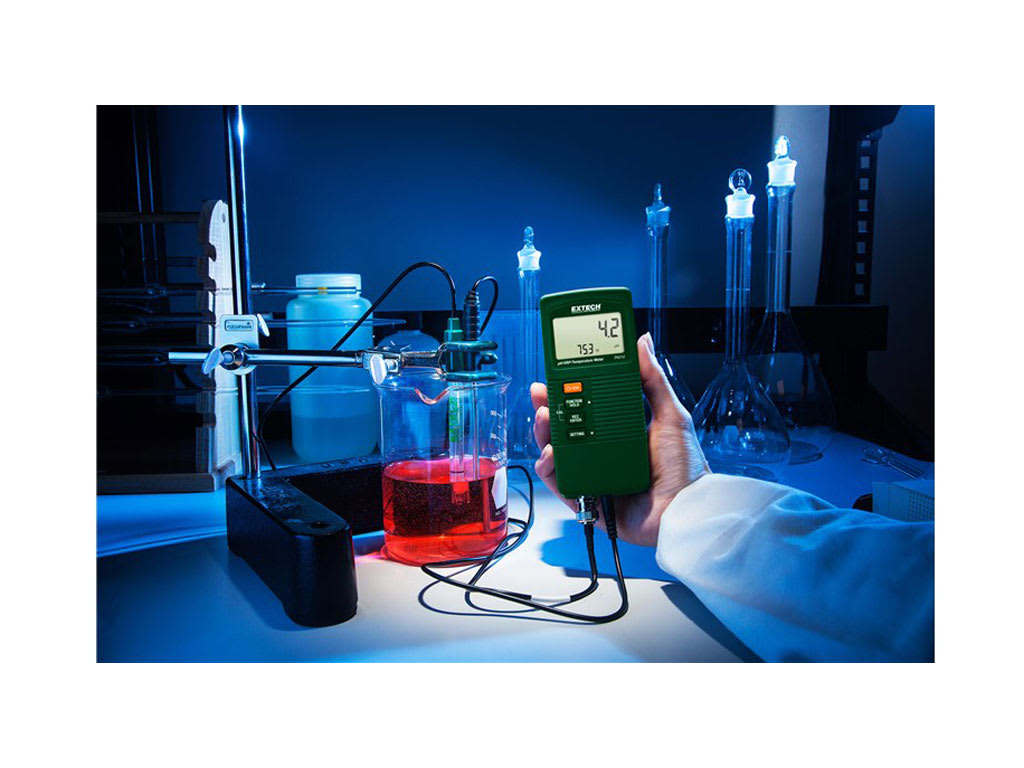 Extech PH210 Compact pH//ORP//Temperature Meter