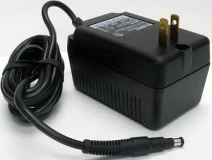 Fluke 2362-156 Spare AC Adapter,15V(1529)110V