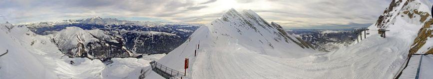 Light in the dark... La Clusaz WILL open this winter - for 2 days!