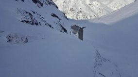 Chair lift demolished by avalanche at Zermatt