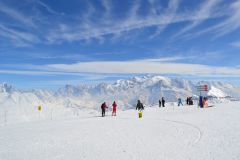 A 55 Years old solo skier looking for a group in Flaine or La Plagne