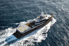Heliski superyacht launches for €1million-a-week