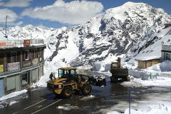 Crews Battle To Open Road To Italian Summer Ski Area