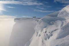 Six Mile Tail Backs as Skiers Try To Ski in Scotland