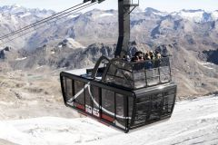 Tignes Unveils New Grande Motte Cable Car Cabins With 'Balconies' On Top