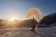 Canadian Ski Resort Closes as it is Too Cold