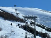 No Social-Distancing On At Least One French Ski Lift