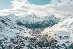 French Ski Areas Struggle Through Lifts Shut Down