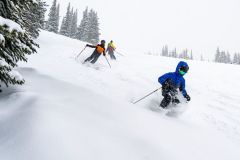 Travel from EU and UK To Ski North America this Season is On