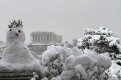 Norwegian ambassador proves you can ski in Athens