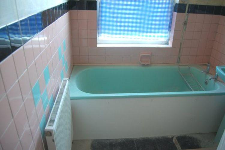 184 Main Road bathroom