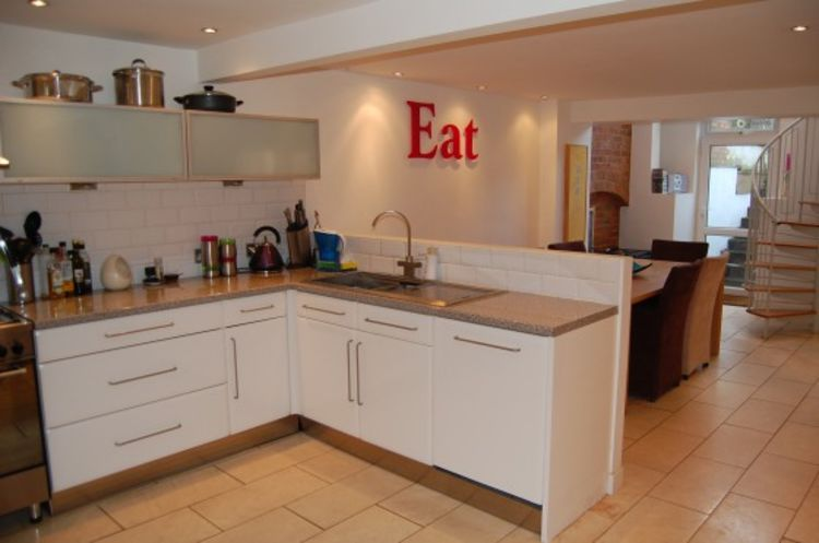 Colwyn Road95 kitchen2