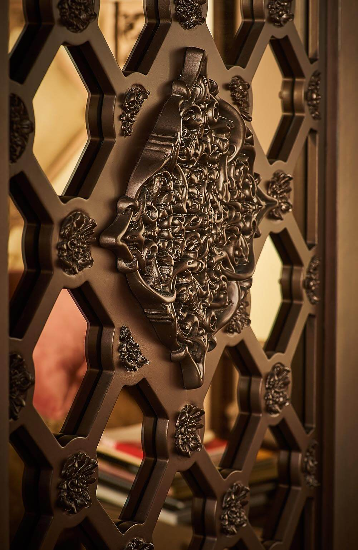 cupboard detail shot, ricci