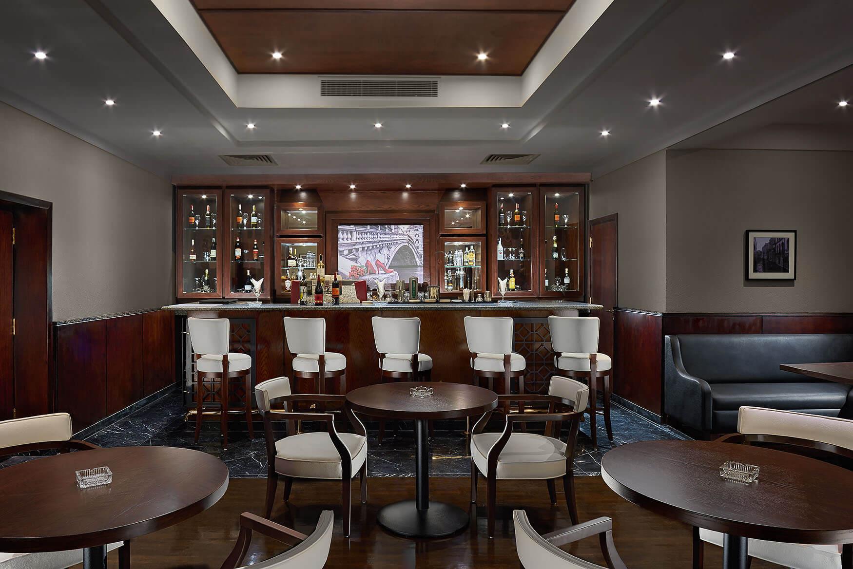 Bar, Hilton Alexandria Green Plaza
