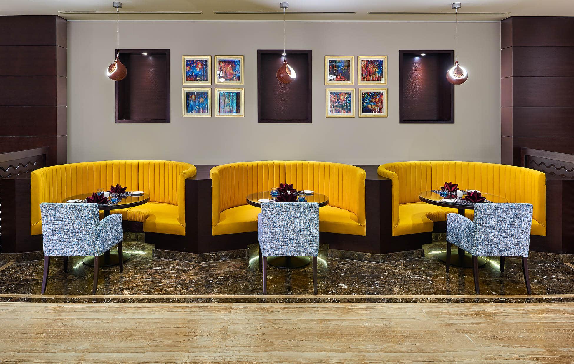 Alexander restaurant - Hilton Alexandria Green Plaza