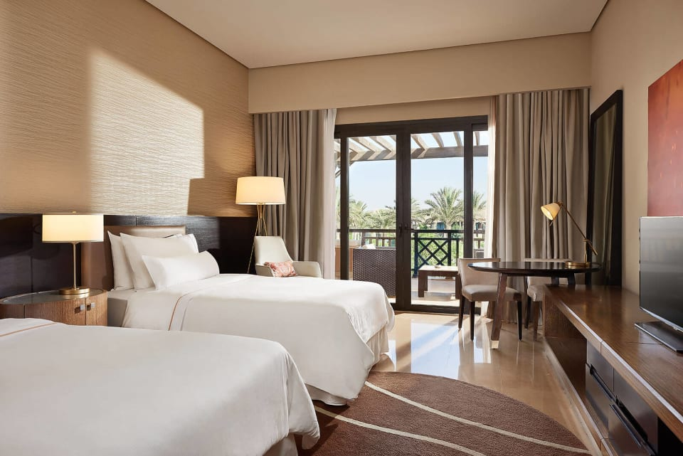 classic room twin bed - The Westin Cairo