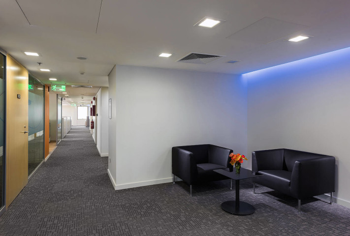 IG-barclays bank- rmc - waiting area