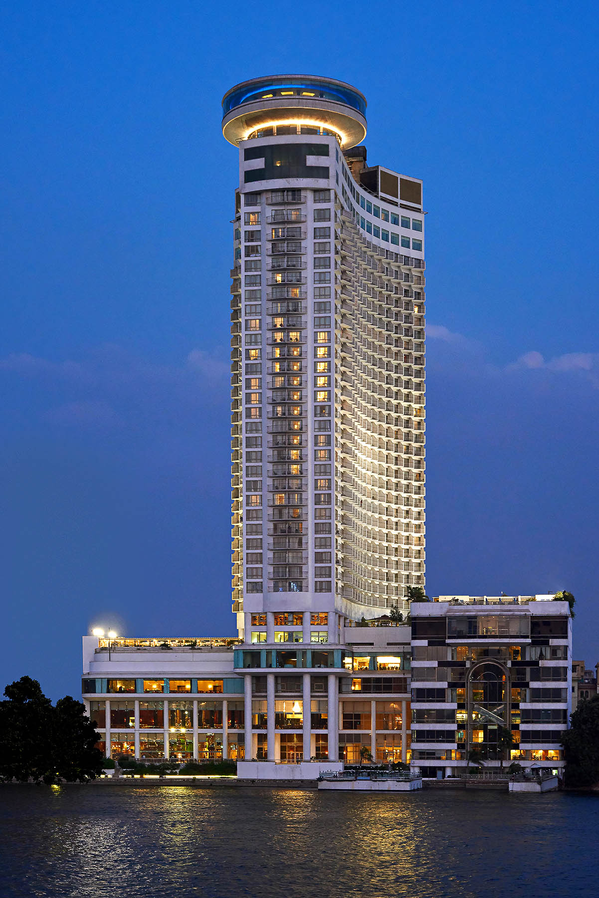 Grand Nile tower - Facade - Blue hour