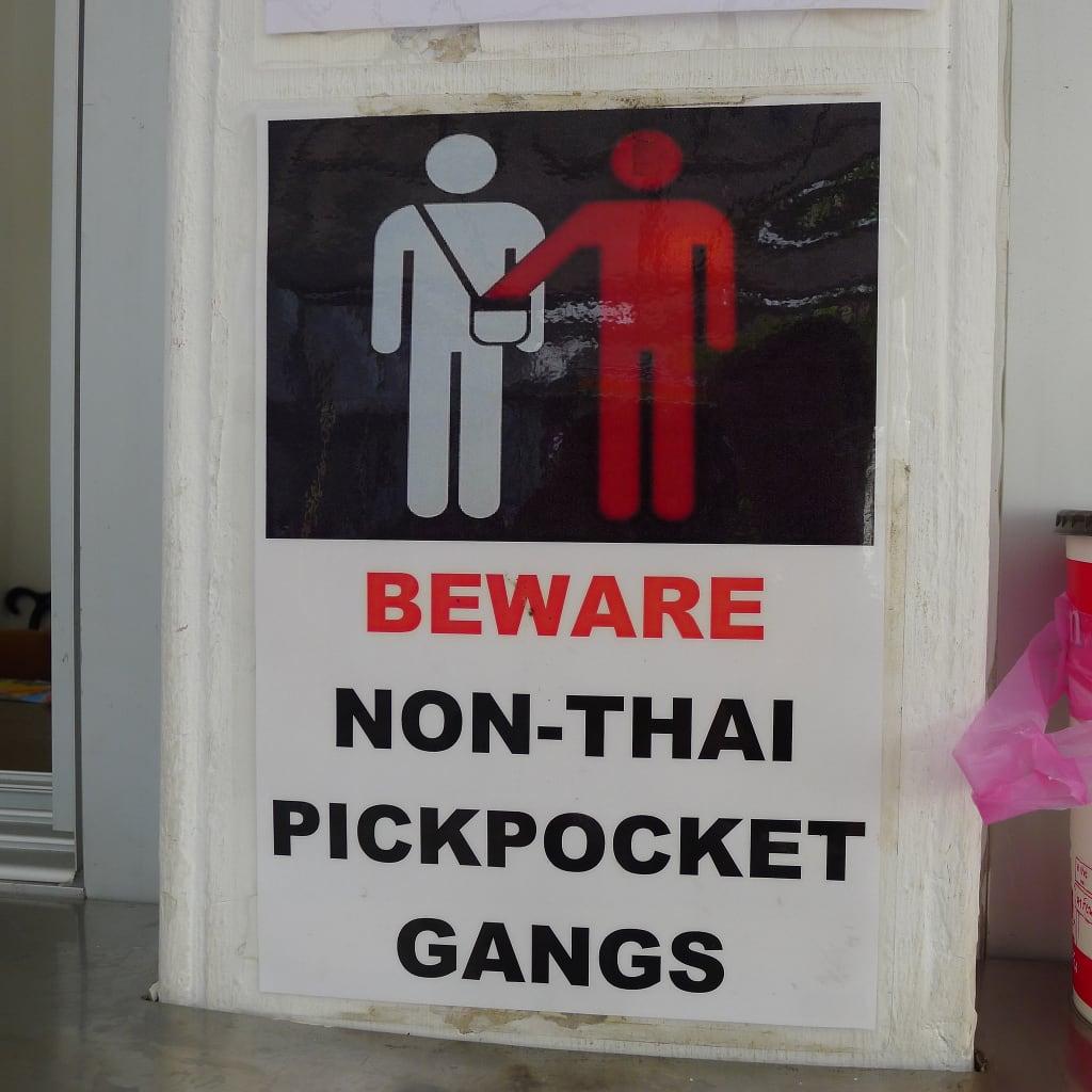 Beware non-Thai pickpocket gangs